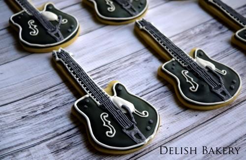 mikel guitar 2